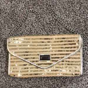 Sparkly gold clutch